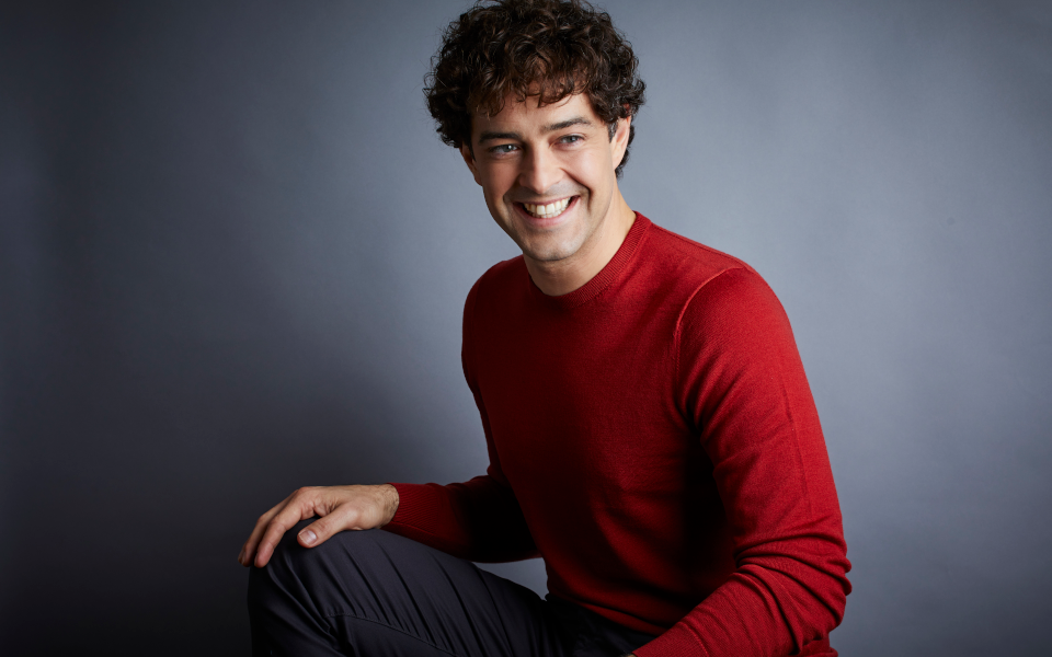Headshot of Lee Mead.
